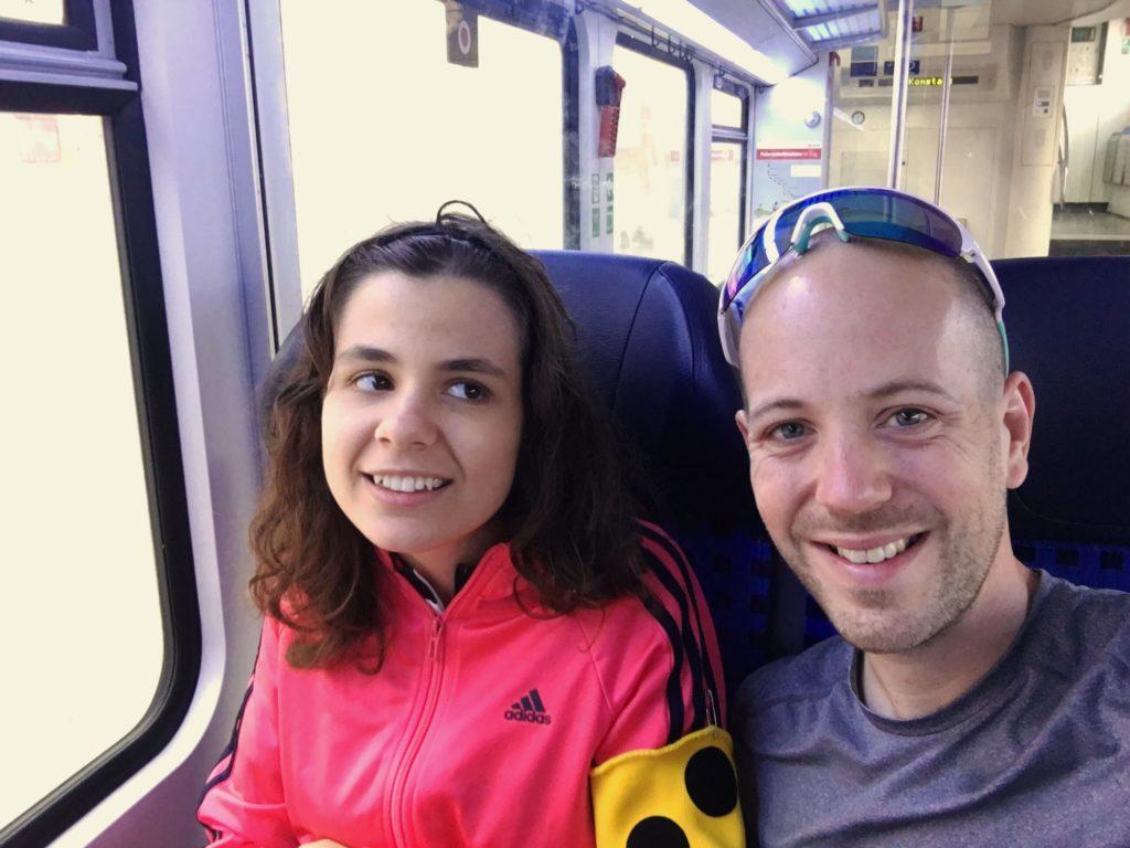 Kerstin und Tobi im Zug